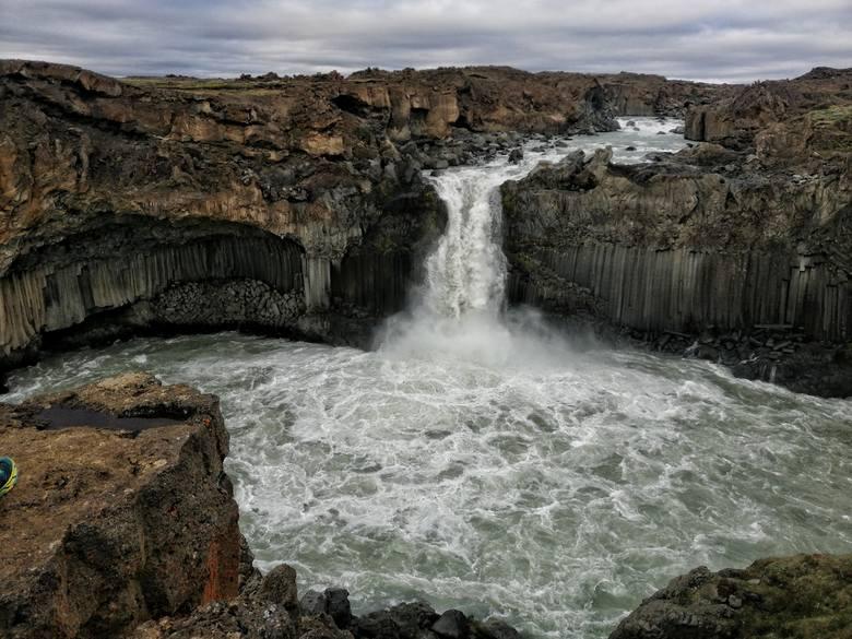 Dzień trzeci: wodospad Aldeyjarfoss na północy Islandii