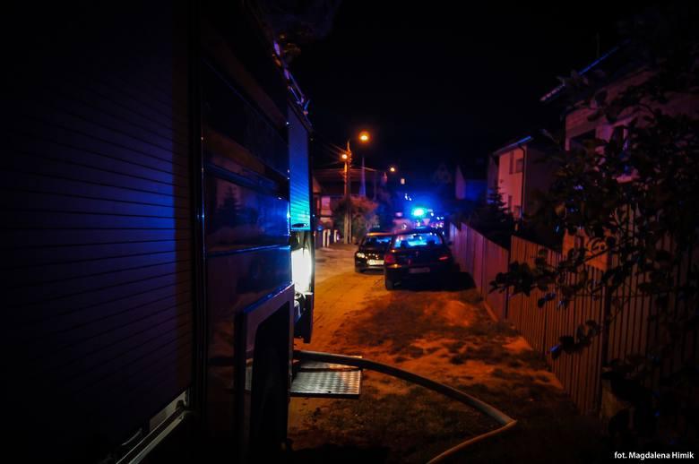 Supraśl. W nocy palił się dom przy ul. Lewitówka. Mieszkańcy zdążyli się ewakuować [ZDJĘCIA]