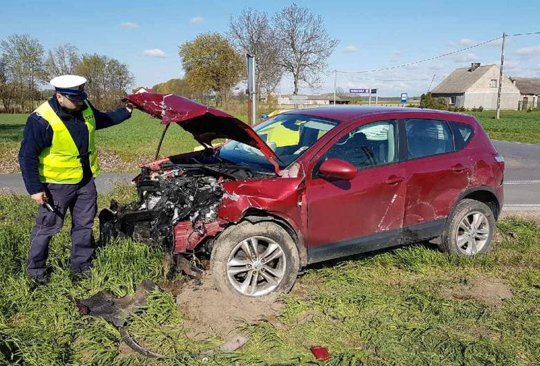 Wczoraj (19 bm.) o godzinie 7.50 w Korytowie (powiat świecki) na skrzyżowaniu dróg powiatowych nr 1272C i 1282C doszło do niebezpiecznego wypadku drogowego.
