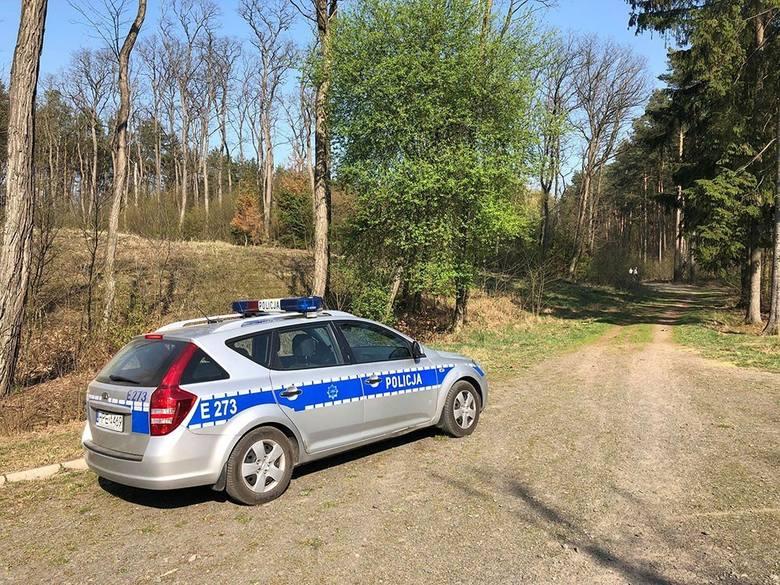 Ciało mężczyzny zostało znalezione przez przypadkowego przechodnia w niedzielę, 7 kwietnia. Na miejsce makabrycznego odkrycie została wezwana zielonogórska
