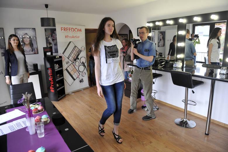 W Rzeszowie w Pracowni Estilo Paulina Popek odbył się dwudniowy cating na modelki i modeli. Z wyłonionymi najlepszymi kandydatami i kandydatkami agencja