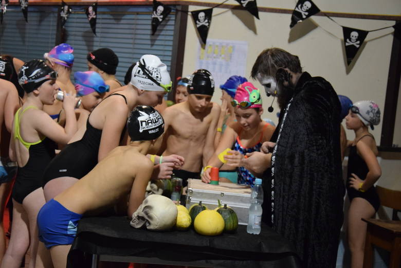 Halloween Pool Party w Skierniewicach [ZDJĘCIA, FILM]