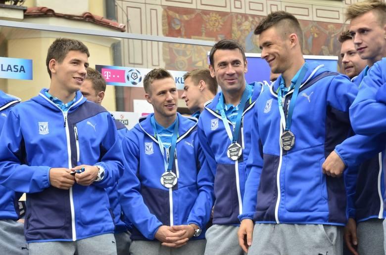 Lech Poznań odebrał medale za wicemistrzostwo na Starym Rynku