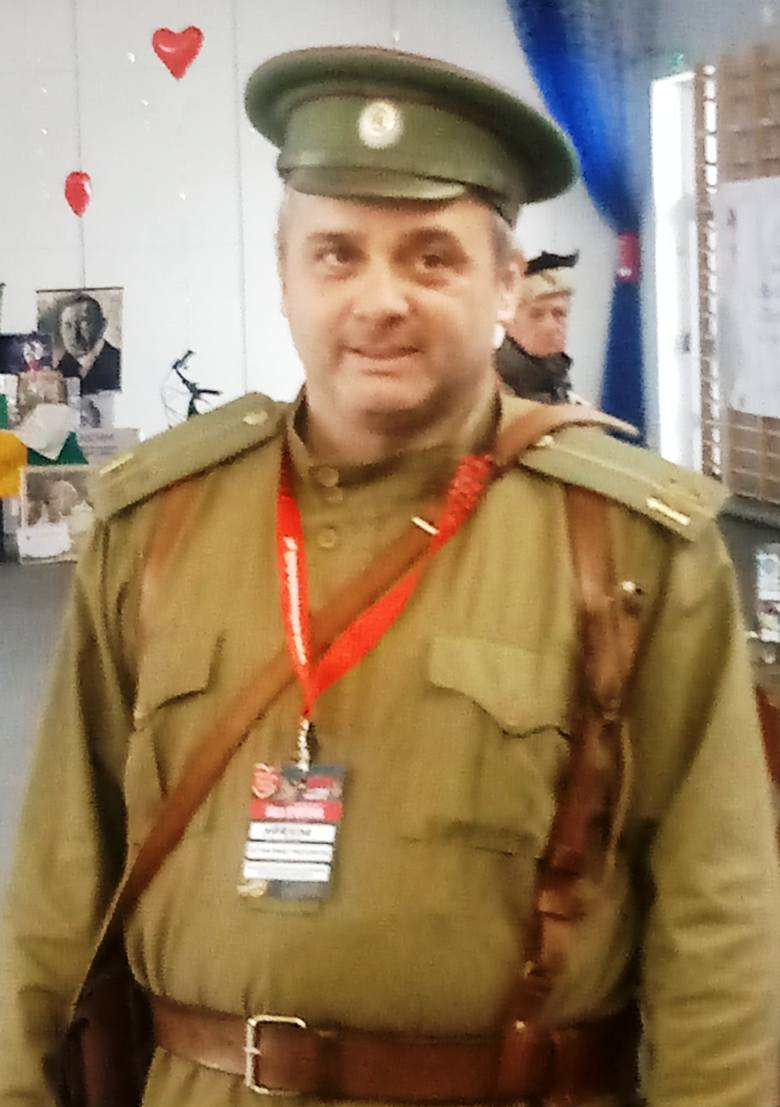 Mariusz Maciaszczyk - prezes grupy rekonstrukcyjnej 14. Pułku Strzelców Syberyjskich