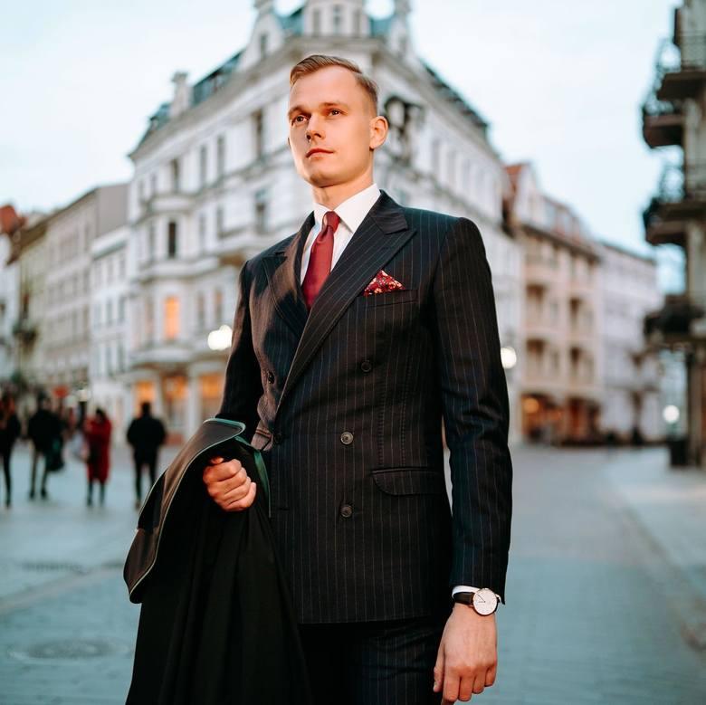 Adwokat Piotr Warzycki.