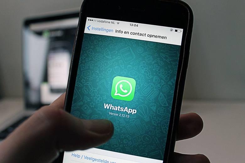 WhatsApp przestanie działać? Od 15 maja zmienia się regulamin komunikatora. Użytkownik musi zdecydować