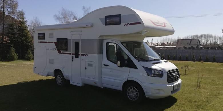 Wypożyczalnia Kampery-PodlaskieFirma dysponuje Fordem TransitemRok produkcji: 2020Silnik: 2,0 TDI EURO 6Moc: 170 KM6-biegowa skrzynia manualnaKlimatyzacjaKamera