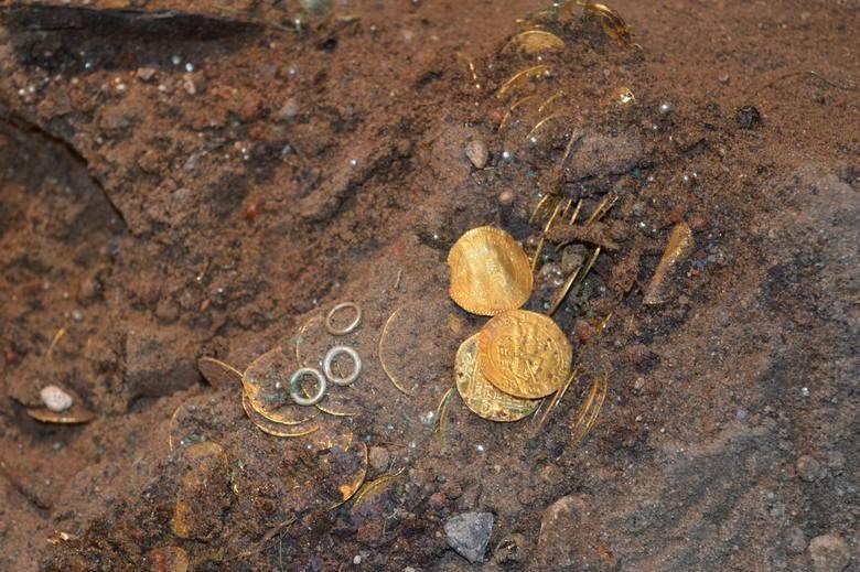 Archeologiczne odkrycie tysiąclecia! Depozyt złożono w bydgoskiej katedrze prawdopodobnie w czasie potopu szwedzkiego.