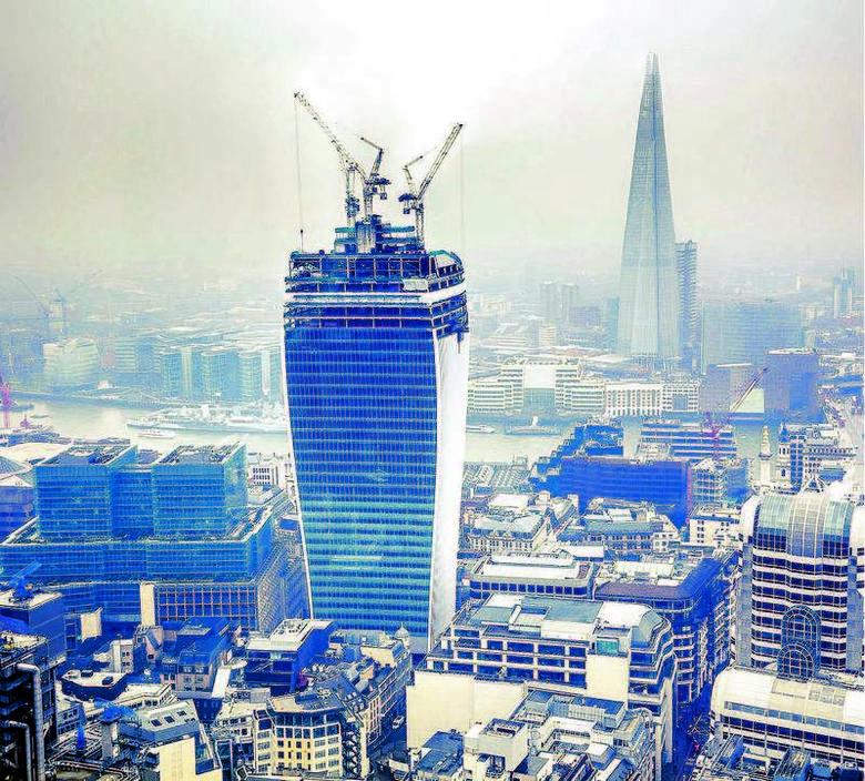 Londyn skąpany w smogu