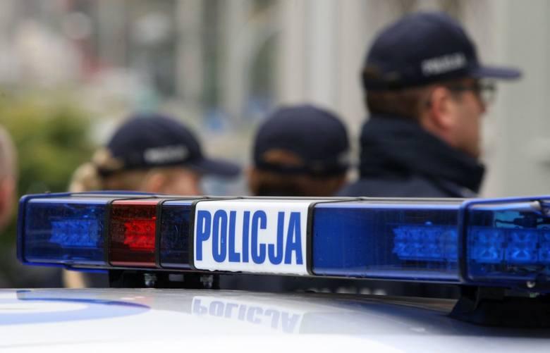 Ełk. Przechodnie i policjanci pomogli zagubionej starszej pani