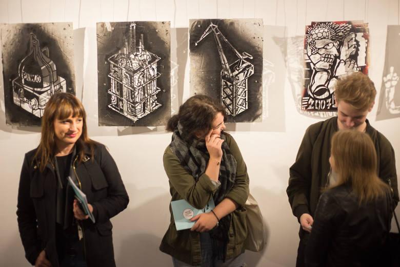"""W galerii OT Rondo zaprezentowano jednodniową ekspozycję """"VIA"""". Kolekcja Vlepvnetu to zbiór obiektów gromadzonych przez ponad 14 lat aktywności grupy."""