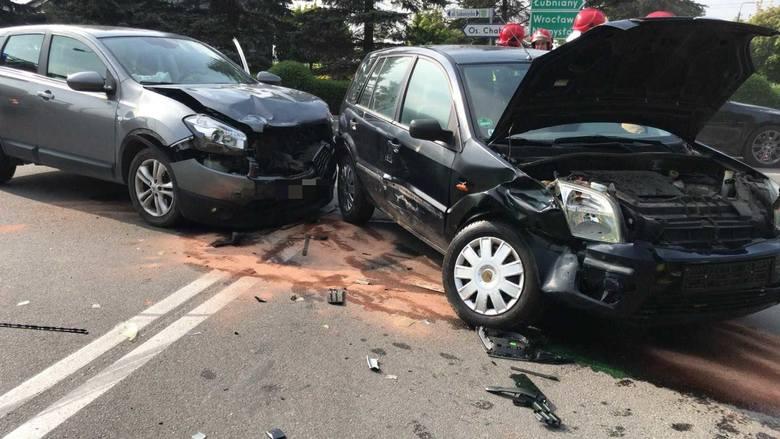 Kolizja na skrzyżowaniu ulic Luboszyckiej i Lipowej w Opolu. Około godziny 16.00 zderzyły się tam ford i nissan. Na szczęście nikt z uczestników nie