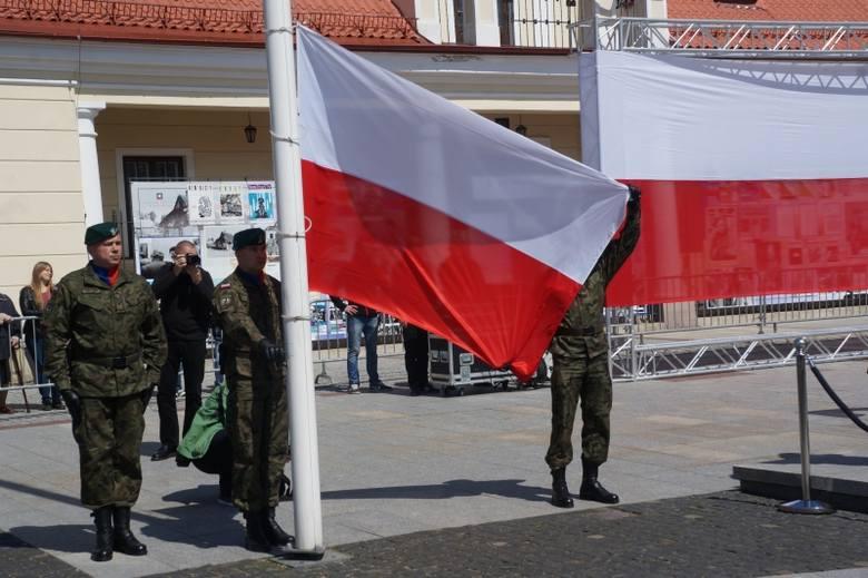 Rynek Kościuszki. Dzień Flagi