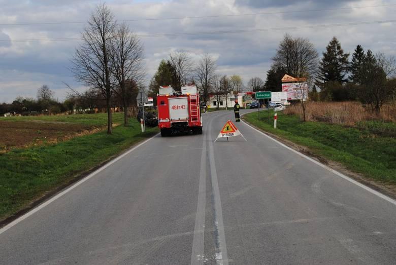 We wtorek przed godz. 15, policjanci zostali poinformowani o zdarzeniu drogowym, do którego doszło przy wyjeździe z Lubaczowa w kierunku Oleszyc. Ze
