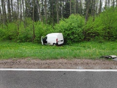 Chraboły. Wypadek na DK 65. Dwa auta w rowie po zderzeniu [ZDJĘCIA]