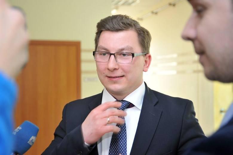 Karol Pilecki, radny PO, zastąpi w zarządzie województwa Cezarego Cieślukowksiego