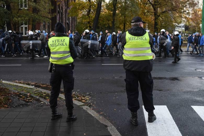 Kibice Wisły Płock przemaszerowali ulicami Poznania