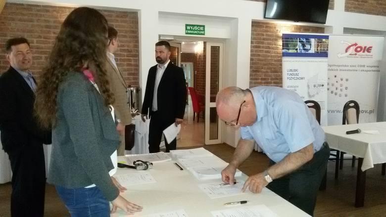 Zostań liderem eksportu - to cykl konferencji organizowanych przez Lubuski Urząd Marszałkowski. Wczoraj eksperci byli w Żaganiu.