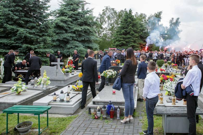 3 czerwca 2016 roku na cmentarzu w Tarnowie-Mościcach odbył się pogrzeb Krystiana Rempała. 18-letni zawodnik Unii Tarnów, wielka nadzieja polskiego żużla,