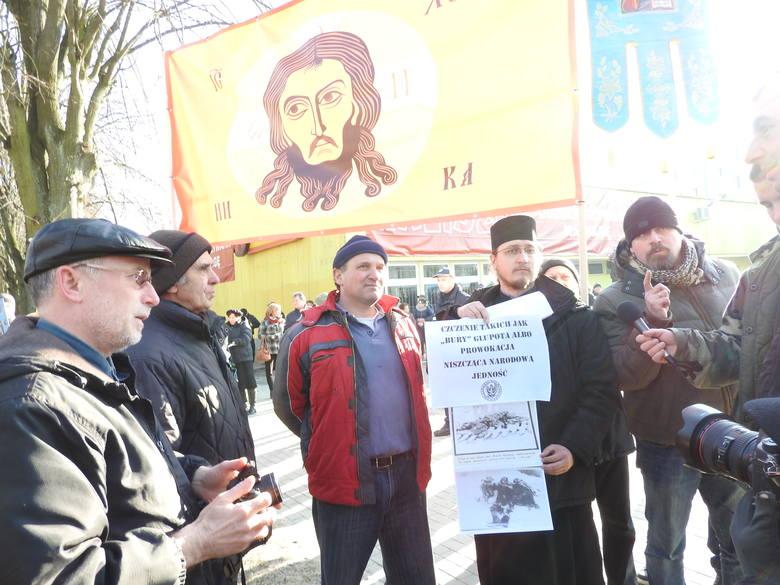 Tak wyglądał I Marsz Żołnierzy Wyklętych w Hajnówce i kontrmanifestacje