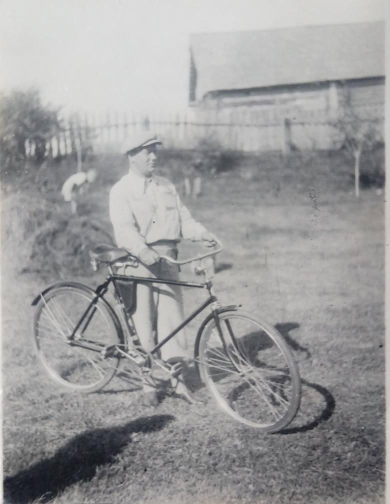 Przed II wojną światową Wacław Jurkojć miał nie tylko rower, ale też motocykl, a nawet samochód!