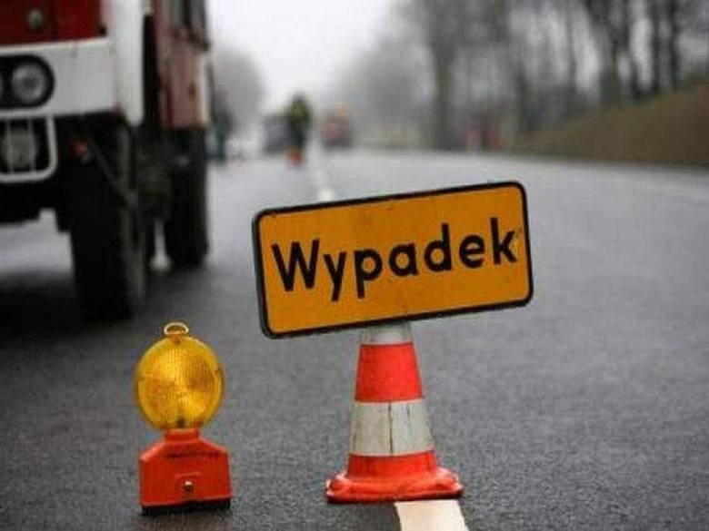 Auto dachowało w rejonie ulicy Petersona w Bydgoszczy