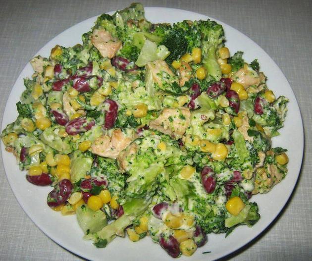 Salatka Z Kurczakiem Dobra Z Ryzem Ananasem I Makaronem Przepisy
