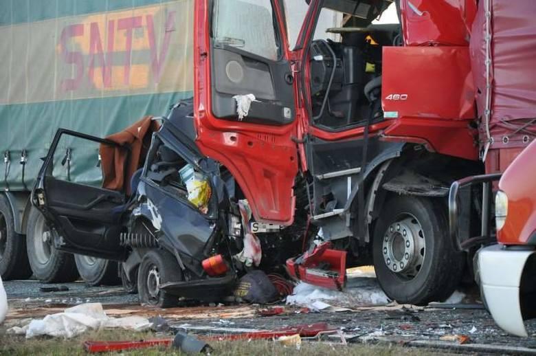 Wypadek na ulicy Kluczborskiej w Oleśnie (droga krajowa 11).