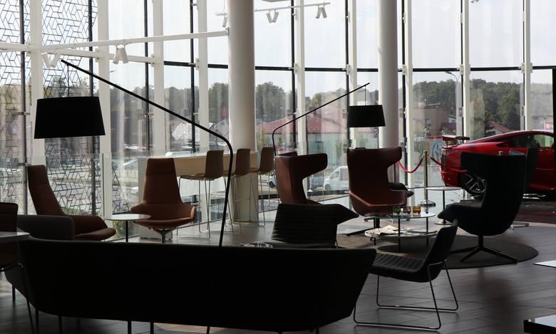Największy europejski salon Toyoty i Lexusa znajduje się w Krakowie. Oto, jak wygląda luksusowy salon przyszłości!