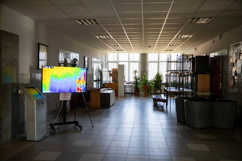 Koronawirus w Białymstoku. Kamera termowizyjna w białostockich akademikach. Studenci kontrolują swoją temperaturę (zdjęcia)