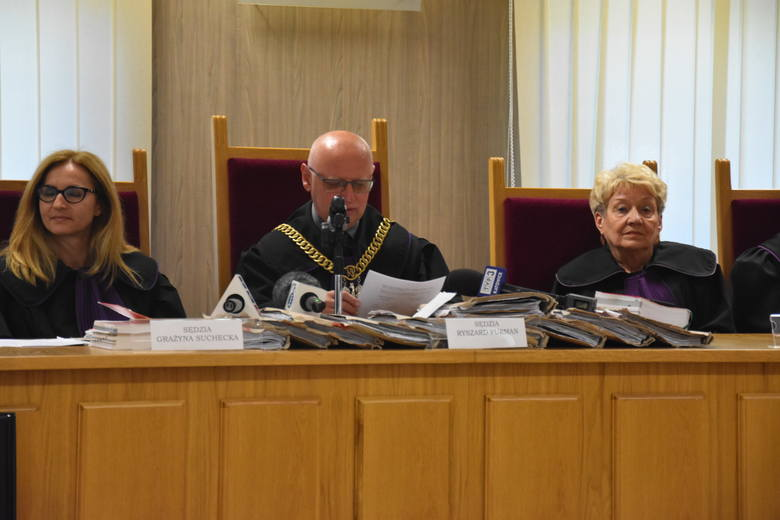 25 lat więzienia dla Dawida K, 8 lat dla czterech pozostałych oskarżonych  - takie wyroki zapadły w poniedziałek, 3 czerwca, w procesie dotyczącym zakatowania Jacka Hrycia z Jastrzębia-Zdroju.