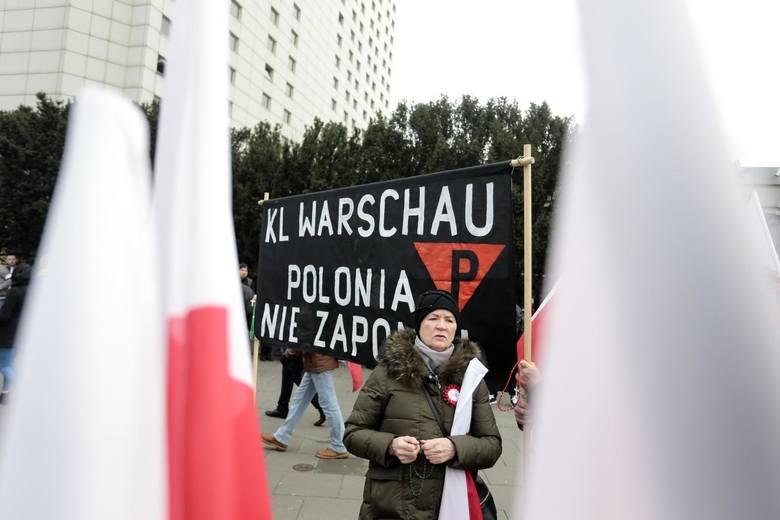 Marsz Niepodległości 2019 znów zdominował obchody święta 11 listopada [ZDJĘCIA] [WIDEO] W Warszawie