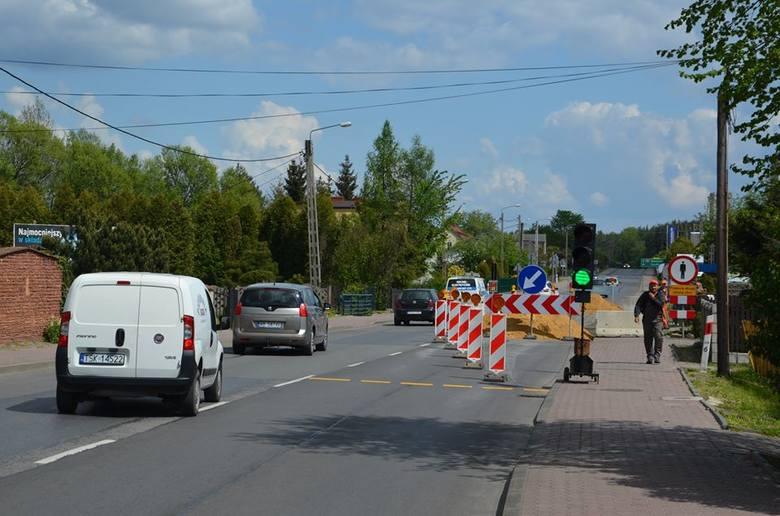 Uwaga kierowcy. Ruch wahadłowy na ulicy Piłsudskiego w Stąporkowie