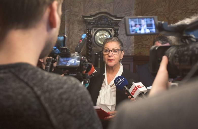 Prokuratura w Chojnicach umorzyła postępowanie w sprawie prezydent Słupska