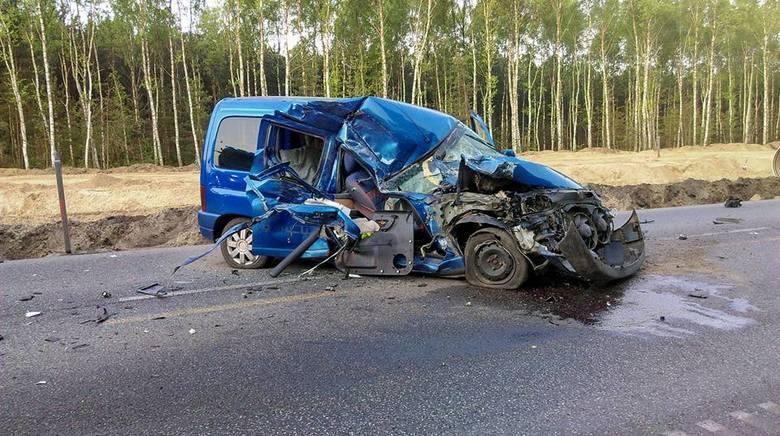 Pechowo rozpoczyna się poniedziałek (30 kwietnia) na drogach w regionie. Do groźnie wyglądającego wypadku doszło na ulicy Grunwaldzkiej, za skrzyżowaniem