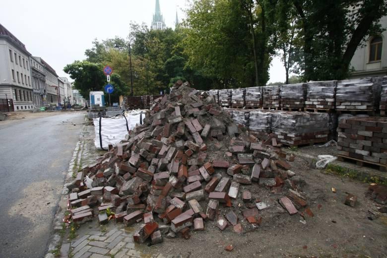 Łodzki magistrat remontuje 300 metrów ulicy za 4,4 mln zł.