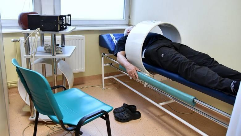 Dzienny Dom Opieki Medycznej znajduje się w CenterMed Poznań przy ul. Św. Marcin 58/64. Placówka powstała z myślą o pacjentach niesamodzielnych, potrzebujących pomocy ze względu na stan zdrowia, ale nie wymagających całodobowej opieki lekarza.