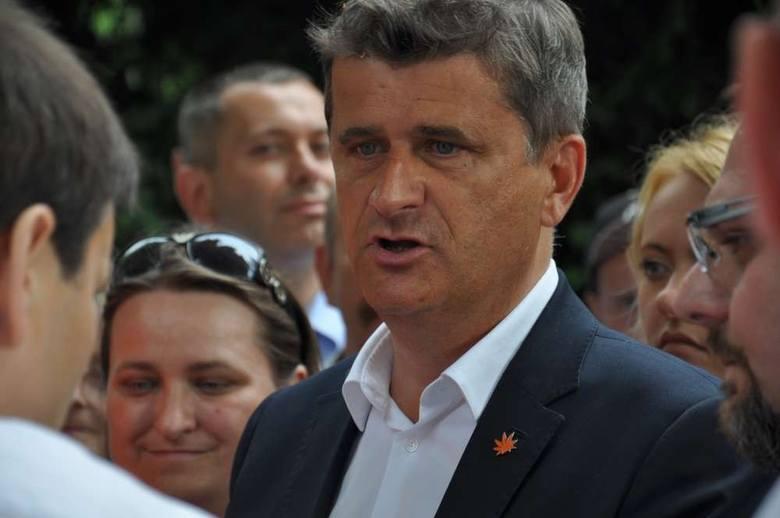 Niedawno wielkopolskie Wronki odwiedził Janusz Palikot. Przyjechał wesprzeć zbieranie podpisów pod wnioskiem o referendum w sprawie odwołania burmistrza
