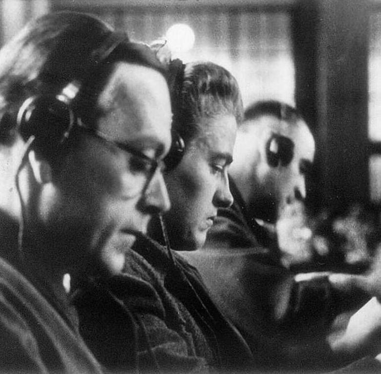 Latem 1944 r. załoga SS w Auschwitz-Birkenau liczyła 4,5 tys. ludzi. Przez cały okres działalności tego obozu zagłady służbę odbyło w nim ok. 8,5 tys.
