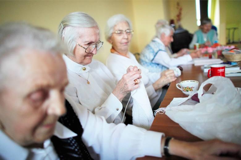 Koronawirus przyczyną śmierci 40 tysięcy niepełnosprawnych i seniorów w Polsce? Niestety, to możliwe. Tak wynika z prognoz