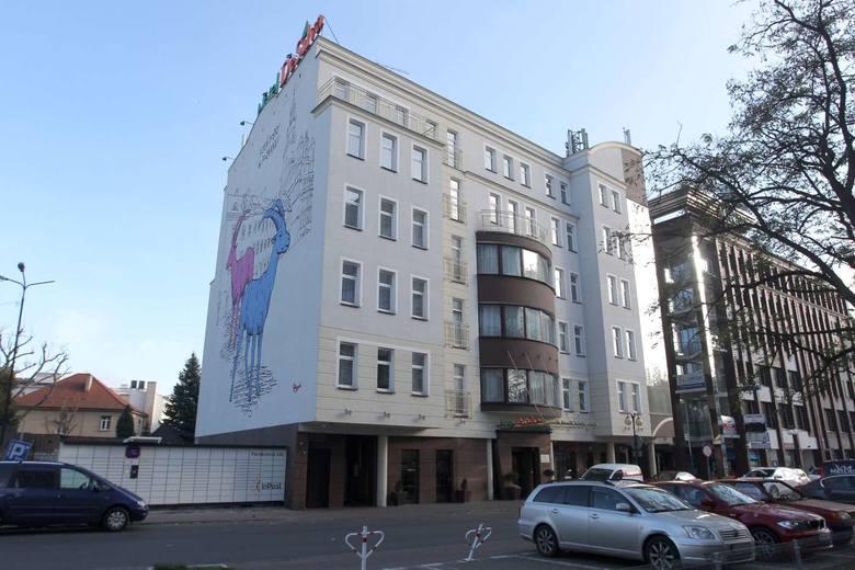 Jego właściciele chcieli, by na ścianie szczytowej widocznej od ulicy Święty Marcin powstał trójwymiarowy mural, na wzór tego na Śródce. I powstał –