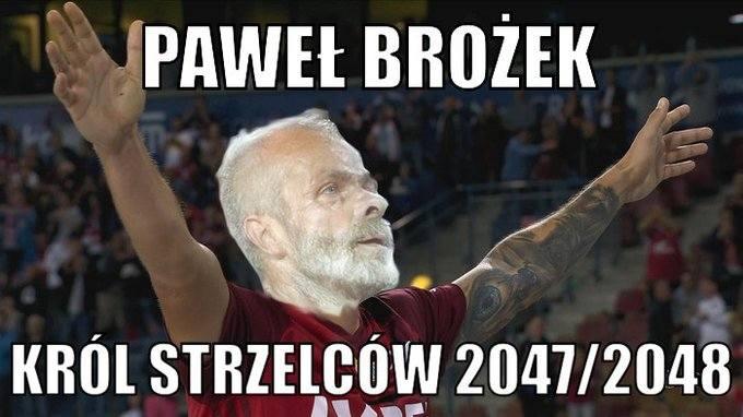 Już raz się z nami pożegnał (oficjalnie!), ale wrócił. I potwierdził, że trzyma się dobrze. 36-letni Pawel Brożek pozamiatał w meczu Wisły Kraków - z