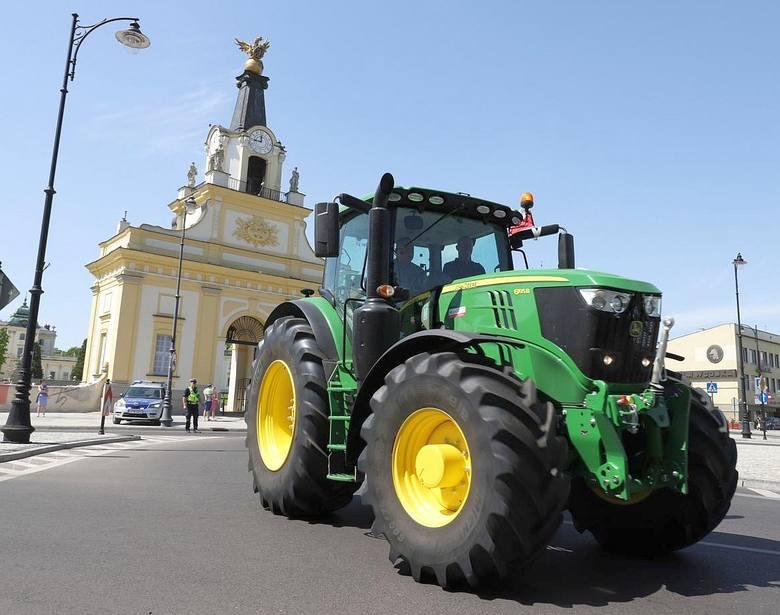 W środę 9 maja podlascy rolnicy przyjechali na protest do Białegostoku. Ich ogromne i nowoczesne traktory robiły na białostoczanach duże wrażenie. Nic