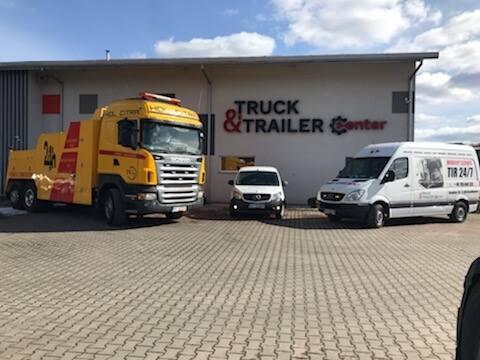 Truck & Trailer Center