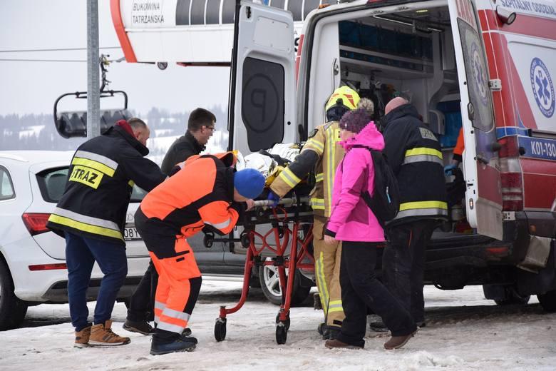 Wypadek w Bukowinie Tatrzańskiej. Spadający dach zabił dwie osoby.