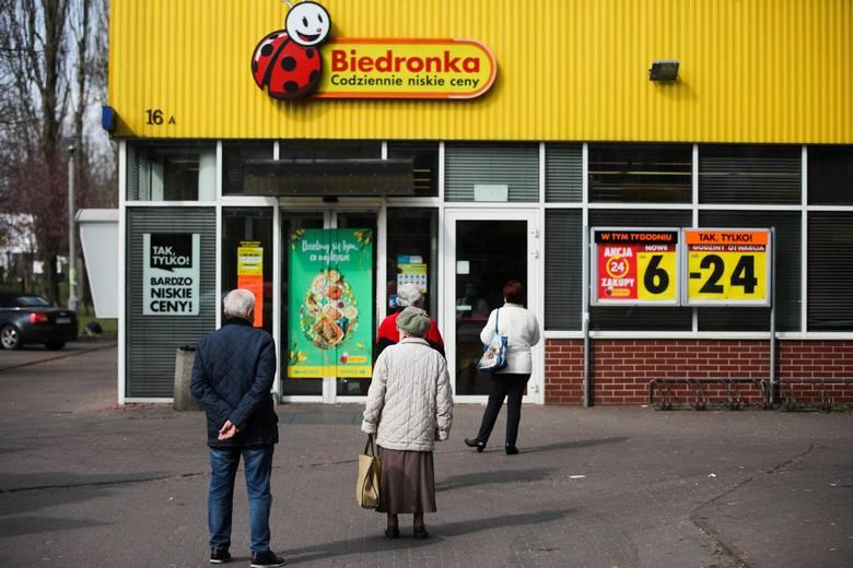 W sklepach Biedronki trwają kolejne promocje. Można tam znaleźć naprawdę ciekawe towary w niższych cenach. W nowej ofercie promocyjnej Biedronki możemy