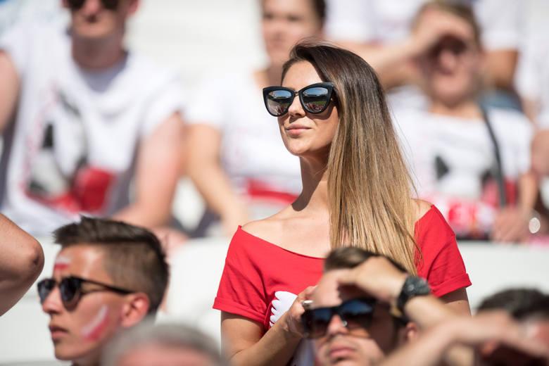 Polskie kibicki na Euro 2016 są najpiękniejsze! Czarujące Polki zdobyły obiektywy [GALERIA]
