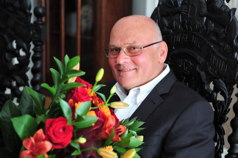 Zenon Ziaja ma 67 lat. Wraz z żoną stworzył firmę Ziaja Ltd Zakład Produkcji Leków. W 1989 roku wykorzystał doświadczenie farmaceutyczne i stworzył recepturę