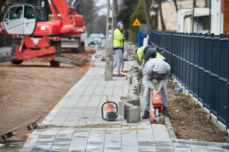 Zarząd Inwestycji Miejskich ogłosił przetargi na remonty kilku osiedlowych ulic, w tym gruntówek. Wykonawcy mogą składać oferty niemal do końca kwie