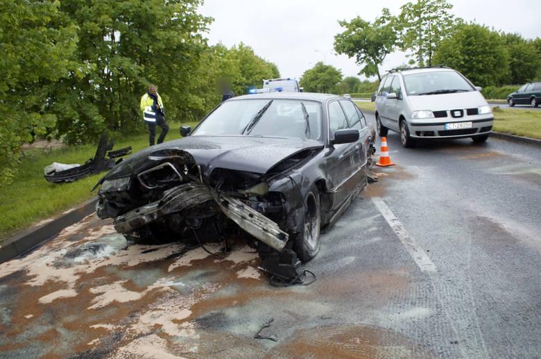 Do groźnie wyglądającej kolizji doszło w piątek (05.06)  po południu na drodze wylotowej ze Słupska w kierunku Gdańska. Według relacji świadków BMW zjeżdżając